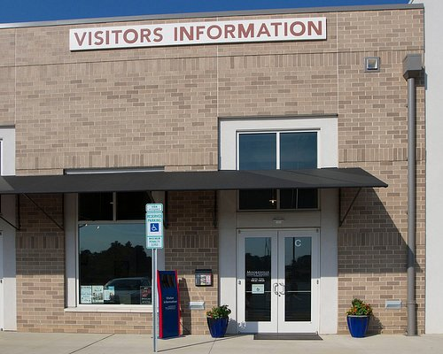 The Visitors Center is conveniently located off Exit 31 at Langtree at the Lake.