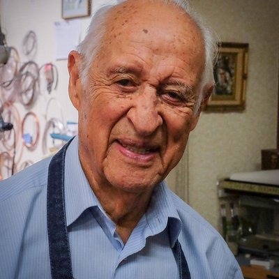 Carlos Diaz, master craftsman and silversmith. Doing business in Tucson for 58 years.