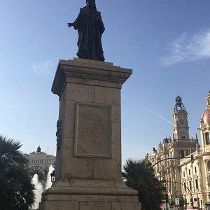 monumento-francesco-de.jpg?w=300&h=300&s=1