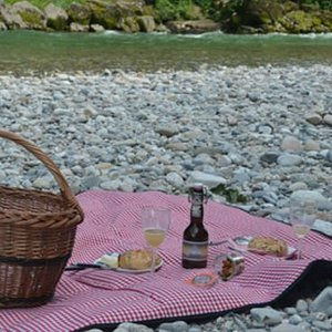 A picnic on the river.