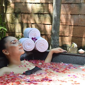 Mandara Spa Aromatic Flower Bath