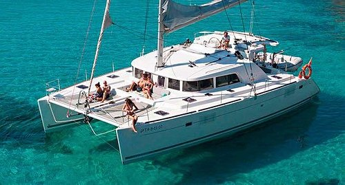 Private Boats, Yachts, Catamaran Charters Rentals In Cozumel