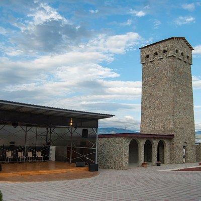 Грузинские танцы, многоголосие (капелла), подъем на сванскую башню ! Добро пожаловать в Konguri