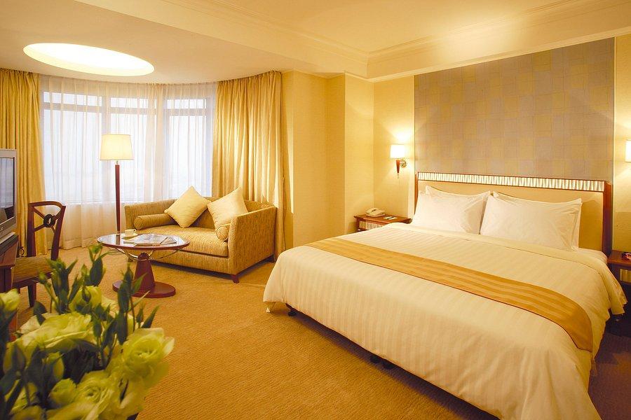 golden dragon hotel macau girls