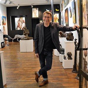 Bienvenue dans la Galerie d'Art du Passage, votre interlocuteur en matière d'art et de culture.