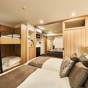 Bedroom (DELUXE 4 with bunk bed)