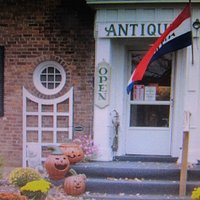 GLENWOOD MANOR ANTIQUES AND MORE