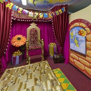 Комната именинника в Театре Сказок