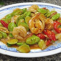 Stir fry broad beans with prawns