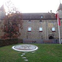 Château de Bulle (depuis la Place du Marché)