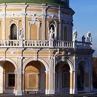 Похожие храмы есть на картинах Великих итальянцев, но реально в Италии такоого нет. А у нас есть