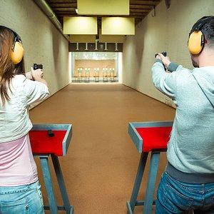 Real gun shooting: handguns, rifles and submachine guns