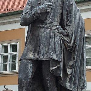 Statue of Lendvay Marton