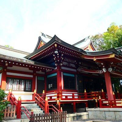 素敵な社殿。華やかな雰囲気です。