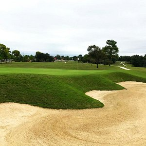 Houston's Gus Wortham Golf Course is officially reopened after a year-plus under the knife! Originally opened in 1908, it's the longest continually operated 18-hole course in the state of Texas.