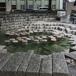 Wasserpilz Brunnen - mushroom sculptures