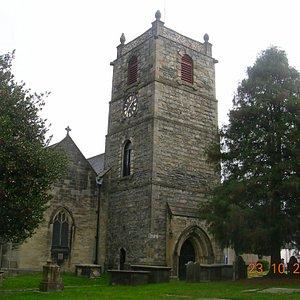 St. Collin's Church & Graveyard (Llangollen)