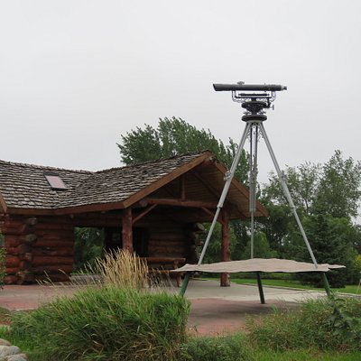 The marker for the divide and the informational building