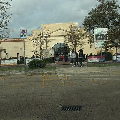 Il centro commerciale con i servizi igienici più sporchi che abbia mai visto ! Davvero imbarazza