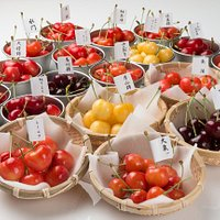 You can enjoy cherries of various tastes and colors