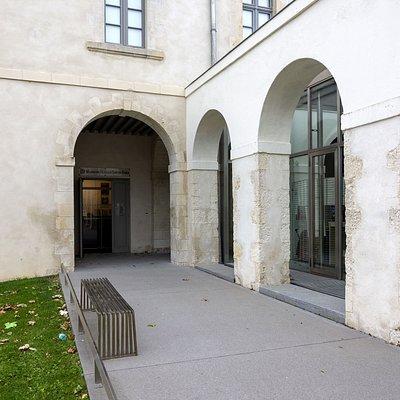 Musee de l'Abbaye Sainte-Croix