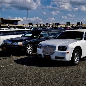 Stretch Limousines for any occasion - city tour in New York, Birthday Patry, Airport service...