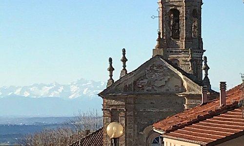 Vie from the rooftops of Murazzano.  April 2018 Alps vista