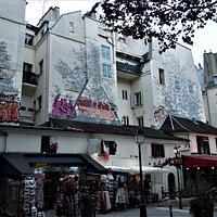 Les fresques sur l'immeuble