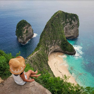 One of our most popular trip is to Nusa Penida. It is such a beautiful and exotic destination.