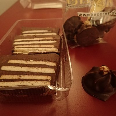 Here is two types of the cakes I bought. This one the left side very close to a special christmas cake we making in my family. And it tasted good. On the right side some more chocolade hand made product You can buy one and one or small or big packets with.