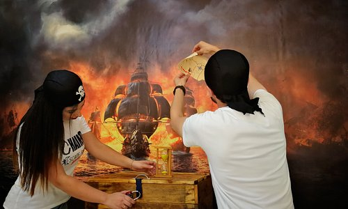 Escape the Pirate Ship in less than an hour & enter the draw! Break the record & get a reward!