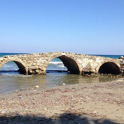 Argassi Bridge ruins