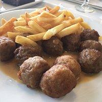 Boulettes boeuf et poulet + frites