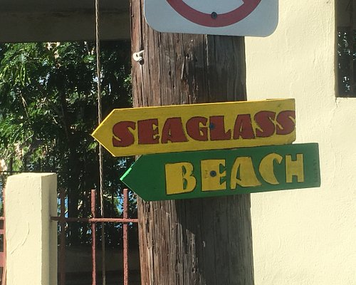 Directional sign to Sea Glass Beach