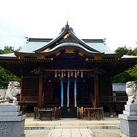 とっても立派な社殿は近隣地域のの総鎮守としての威厳があり素敵でした。