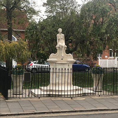 Interesting statue in Marlow