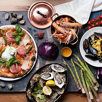Stół obfitości Cristina Ristorante & Pizzeria