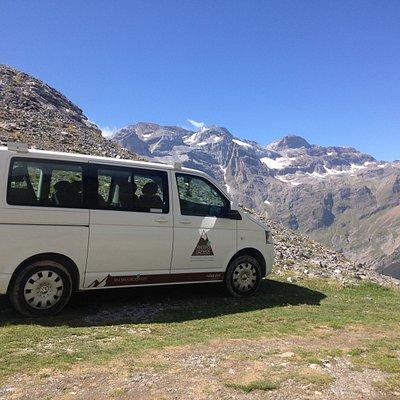 Rutas en 4x4 a los miradores más espectaculares del Pirineo y punto de partida de fantasticas excursiones.