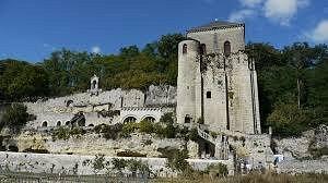 Abbaye vue de la Loire