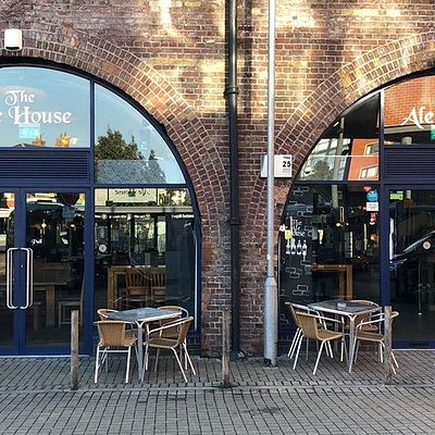Our cozy pub is situated right next to the train station, perfect for a refreshing pint after a hard days work.