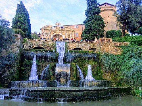 la monumentale fontana della peschiera