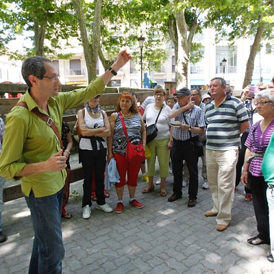 Visita Guiada a Pamplona. Guía Local Oficial. Walking tour to Pamplona. Official Local Guide