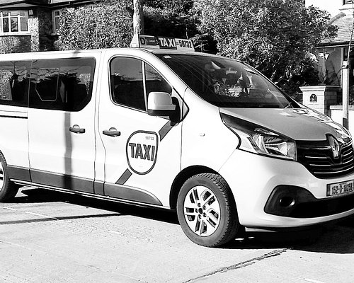 Long Wheel base to seat 8 passengers plus luggage or Wheelchair user and up to 6 passengers.