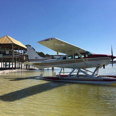 Seaplane Barhopping at Gator Joes!
