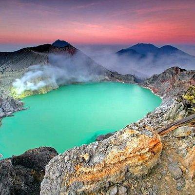 Ijen Crater Trekking Tour