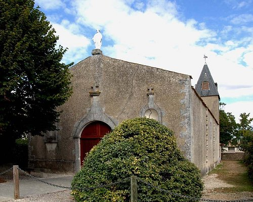 Portail de la chapelle de Lauzières