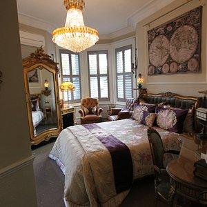 Golden Versailles Room
