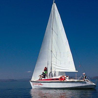 """Прогулки/ путешествия на яхтах, свидания на яхтах, съемка Love Story, предложения руки и сердца на яхте, """"морские"""" многодневные путешествия, выходные на """"море"""", фотосессия на яхте, девичник на яхтах, программа робинзоны для любителей отдыхать дикарями. Вот неполный список услуг который мы оказываем. подробности на сайте Yachting.kz"""