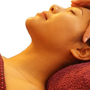 Our head massage is always fantastic! The treatment start from 15 minutes. Good deal during breaking hour.