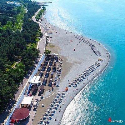 Пляж Сады морей в Геленджике вид сверху
